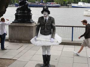 southbank human statue