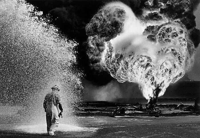Kuwait's burning oilfields